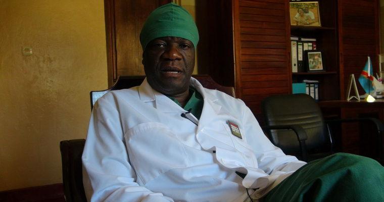 """""""Je Božím požehnáním."""" Křesťané vKongu uvítali Nobelovu cenu pro Denise Mukwegeho"""