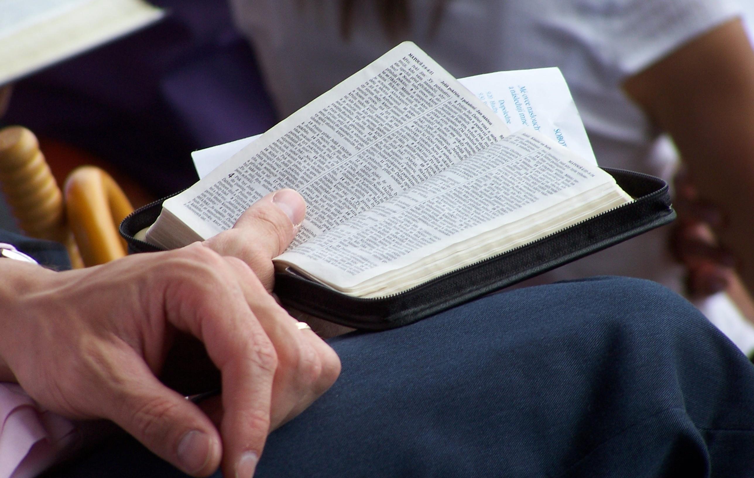 """""""Ty atvé náboženství strachu!"""" – recenze autobiografie Jehovova svědka"""