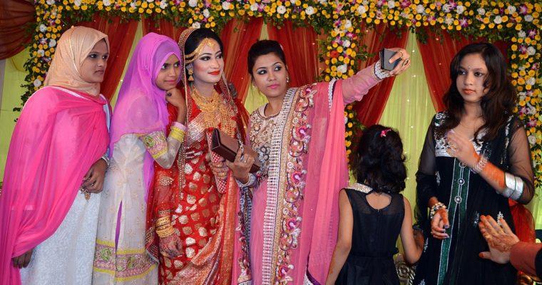 """Bangladéš: Dívky na vdávání už nebudou budou """"panny"""", ale """"svobodné"""""""