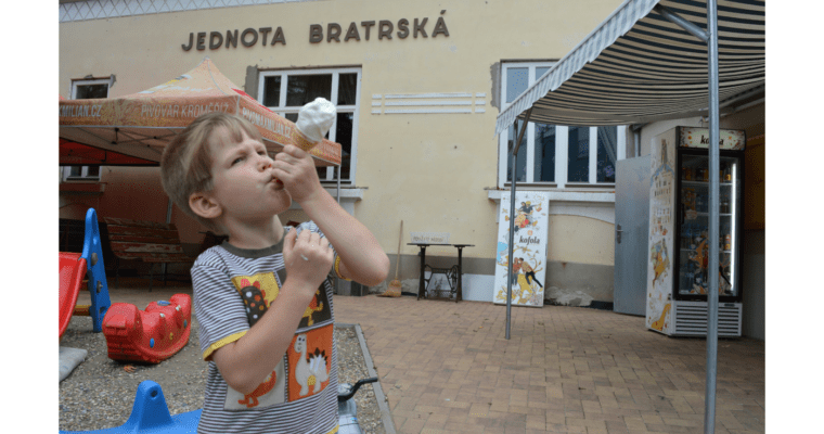 Prázdninová fotografie: Zmrzlina uJednoty bratrské