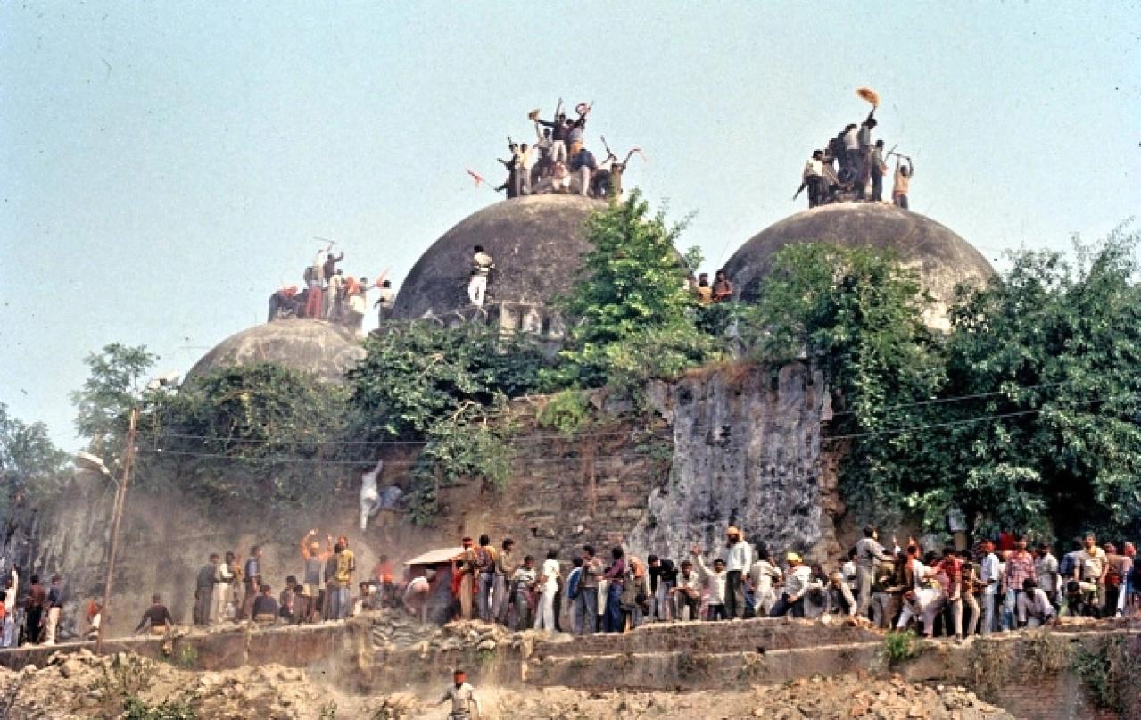Indický nejvyšší soud rozhodl spor hinduistů amuslimů vAjódhji