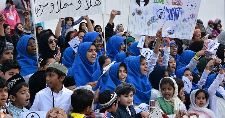 Ahmadíja – náboženství, oněmž se mluví