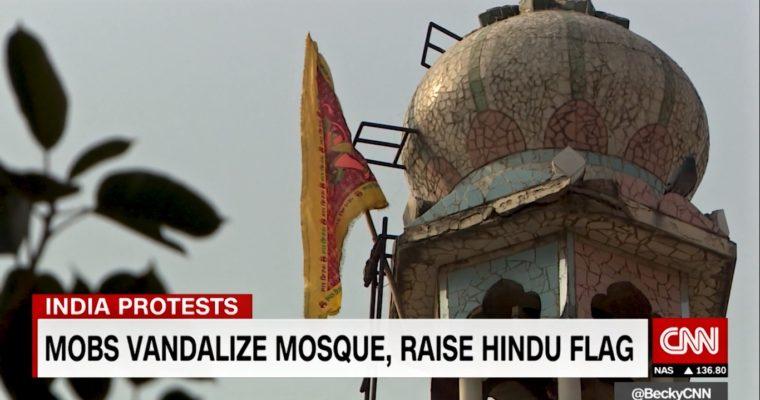 Zápas mezi indickými nacionalisty amuslimy eskaluje