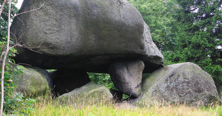 Čertův kámen: dolmen vJizerských horách
