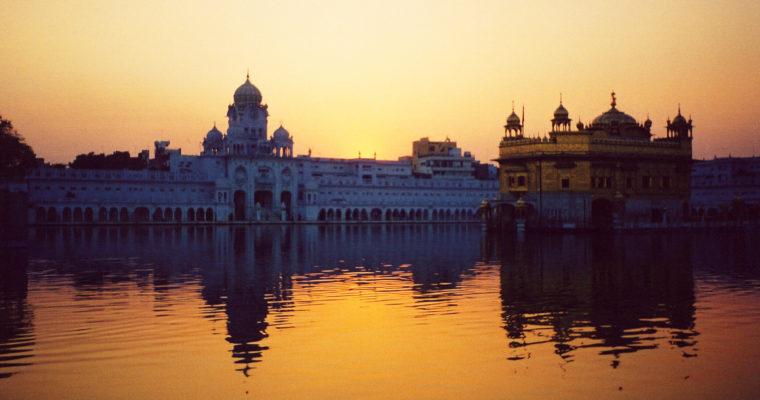 Sikhismus aZlatý chrám na jezeře nektaru: ukázková tvář nepředstírané tolerance askutečného mezináboženského dialogu