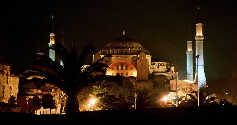Hagia Sofia je znovu mešitou: Je to krok zpět vmezináboženském dialogu? Naopak!