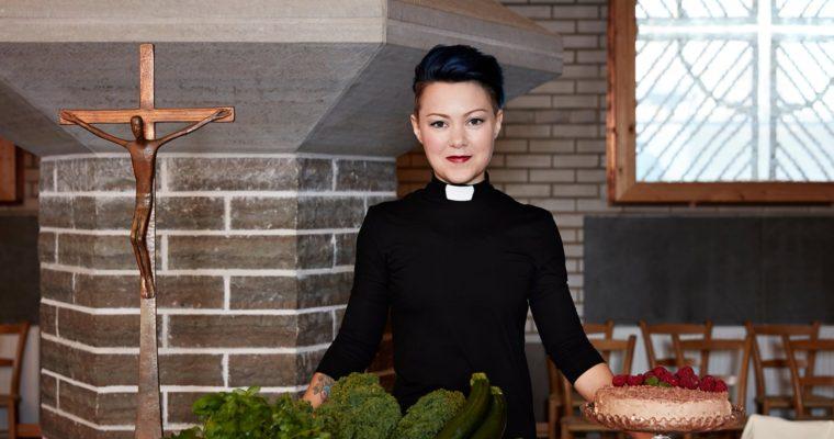 Farářek je ve Švédské církví více než farářů – mají ale nižší platy