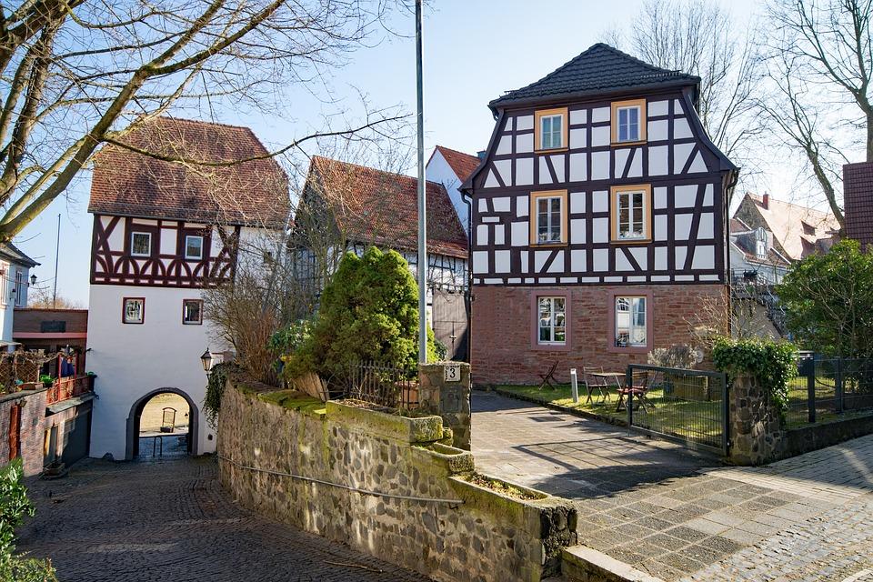 Vůdkyně německého náboženského společenství odsouzena za vraždu dítěte