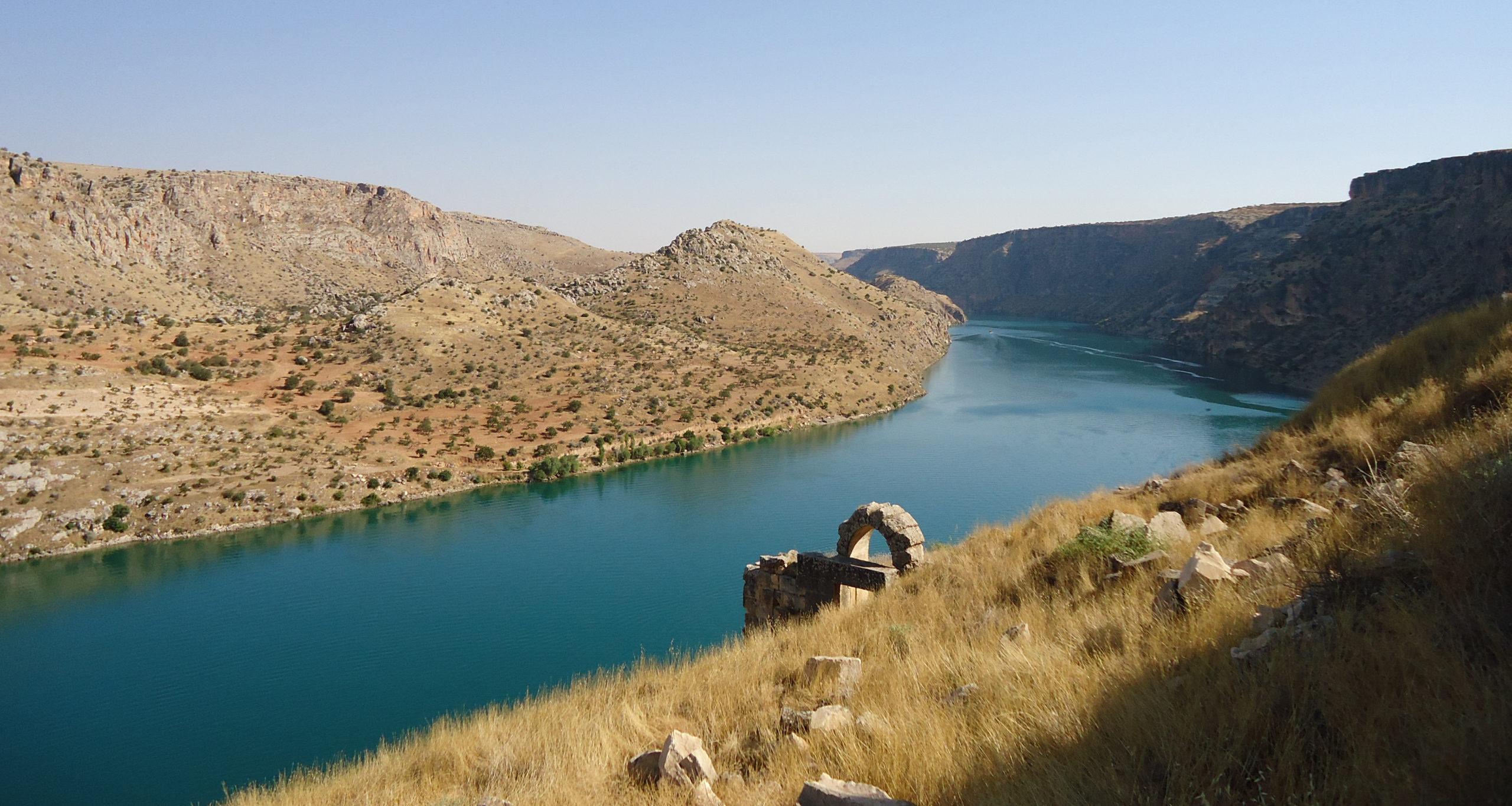 Náboženství voblasti řeky Eufrat – pobiblickém veletoku časem aprostorem I.