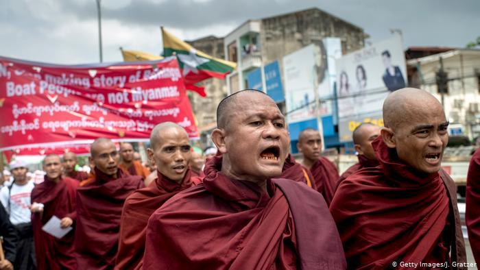 Buddhističtí mniši vkonfliktu vMyanmaru
