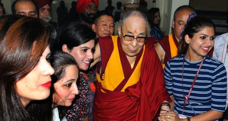 Dalajlamovy 86.narozeniny podněcují přemýšlení obudoucnosti